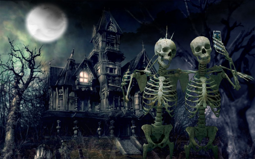Haunted-House-With-Skeletens