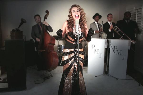 Haley Reinhart apparaît dans plusieurs vidéos du groupe fantastique Postmodern Jukebox