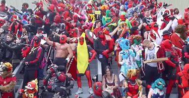 des centaines de Deadpool