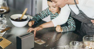 projection sur la table de la cuisine