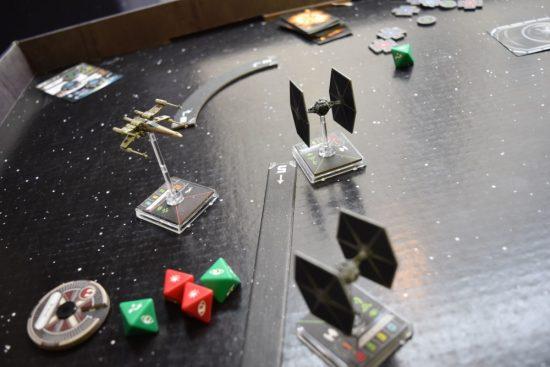 focus sur une bataille de T-fighter