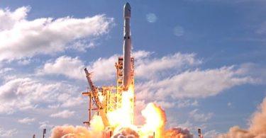 décolage de la fusée falcon heavy