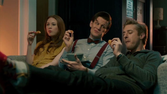 Ponds_and_doctor_eat_fish_custard