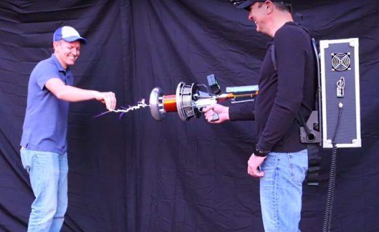 un éclair entre 2 ingénieurs