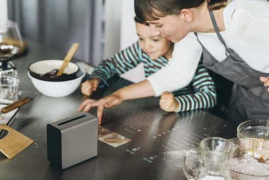 projection sur la table de la cuisine