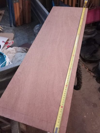planche de bois entière avant découpage